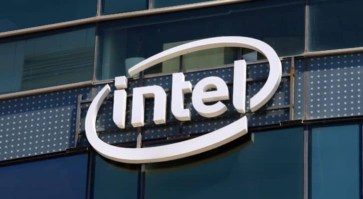 Intel Corporation (NASDAQ:INTC) Hints Custom ARM Processors Would Feature In Low-end Mac Mini And MacBook In 2020 And Prepares For A Drop In Revenues