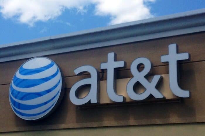 AT&T (NYSE:T) Could Sell DIRECTV At A Loss Considering It Has Been Losing TV Subscribers