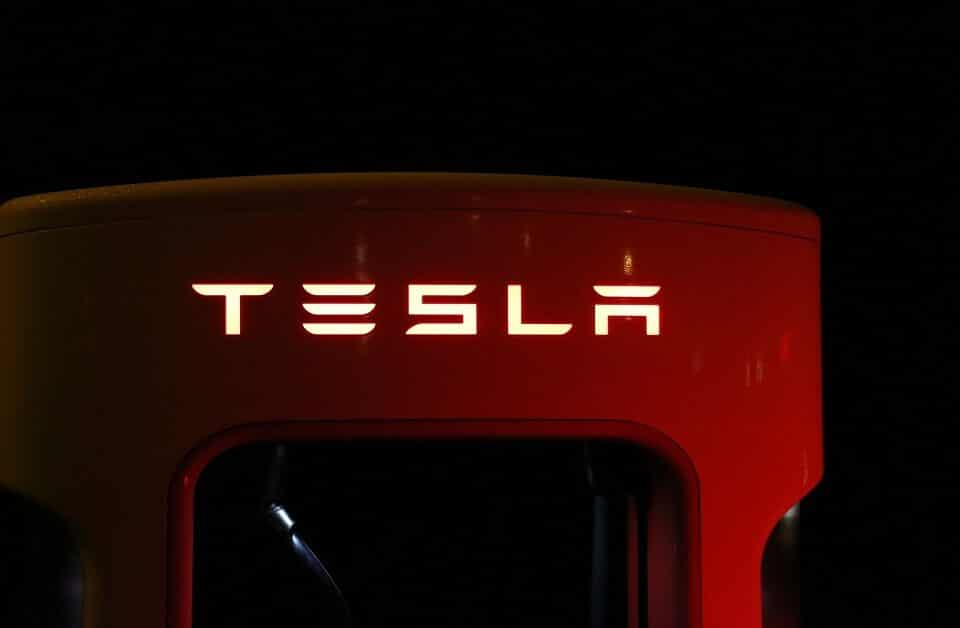 Tesla Inc (NASDAQ:TSLA) Gives Up On Its End-Year Goal Of Full Self-Driving Cars